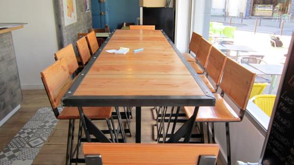 Tables et Chaises en bois & métal - avril 2016Restaurant Le Petit François -